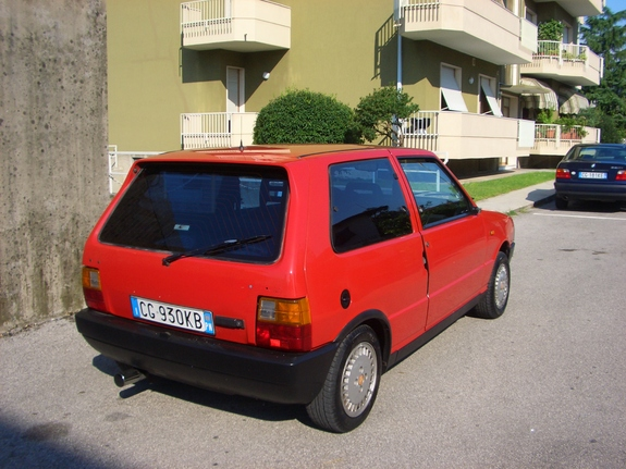 Another escourt23 1987 Fiat Uno post... - 7378206