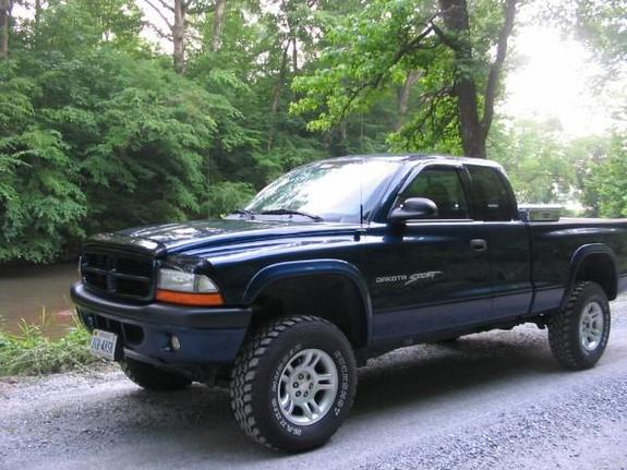 Large on 2001 Dodge Dakota Lifted