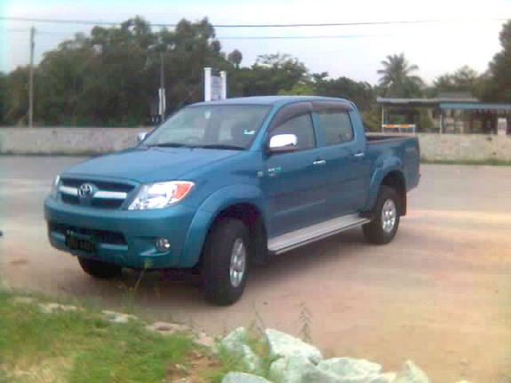 Another chooz 2005 Toyota HiLux post... - 7487186