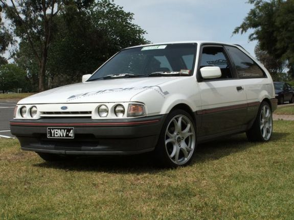 muttley_641 1988 Ford Laser