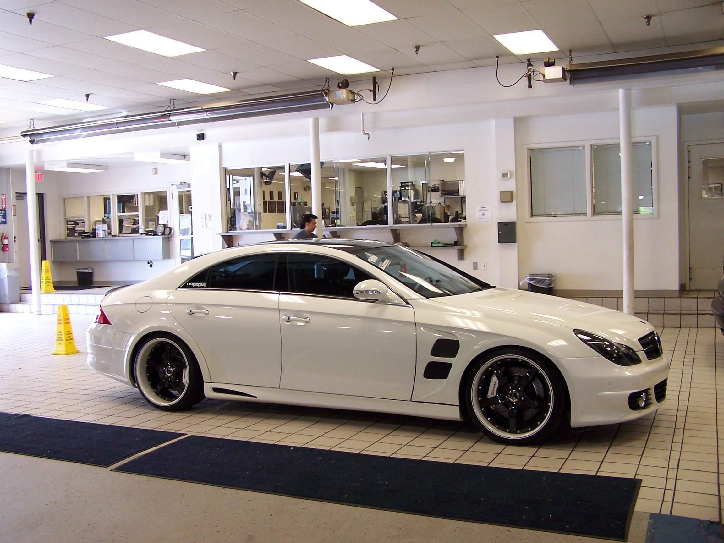 Another khelawanb 2006 Mercedes-Benz CLS-Class post... - 7534160