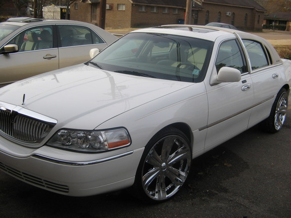 tkinnel 2005 lincoln town car specs photos modification info at cardomain. Black Bedroom Furniture Sets. Home Design Ideas