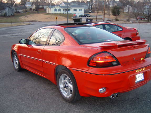 gt1 05 39 s 2005 pontiac grand am in chester il. Black Bedroom Furniture Sets. Home Design Ideas