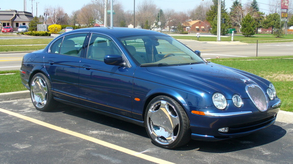 Research 2000                   JAGUAR S-Type pictures, prices and reviews