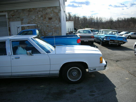 crownvicltdlx's 1990 Ford Crown Victoria