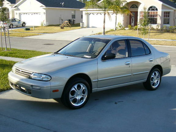 Shadow 7 39 S 1997 Nissan Altima In Kissimmee Fl