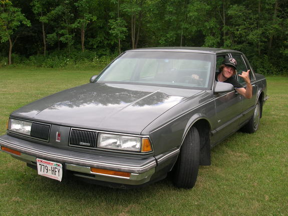whitemoney666's 1989 Oldsmobile Delta 88