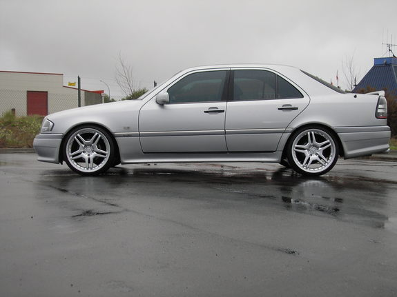 Amg c43 39 s profile in hamilton for 1996 mercedes benz c class