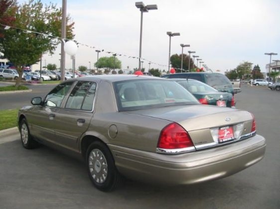 Another CDDZIE01 2004 Ford Crown Victoria post... - 7712460
