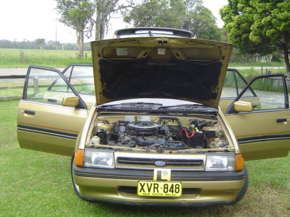 littlejohnny's 1987 Ford Laser