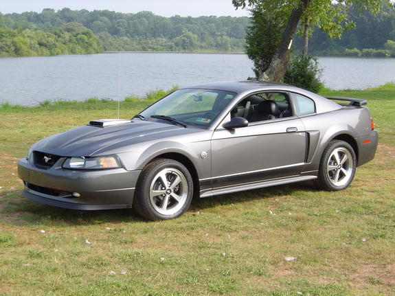 SilverStang23 2004 Ford Mustang