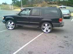 dirtydubzs 1999 Ford Explorer