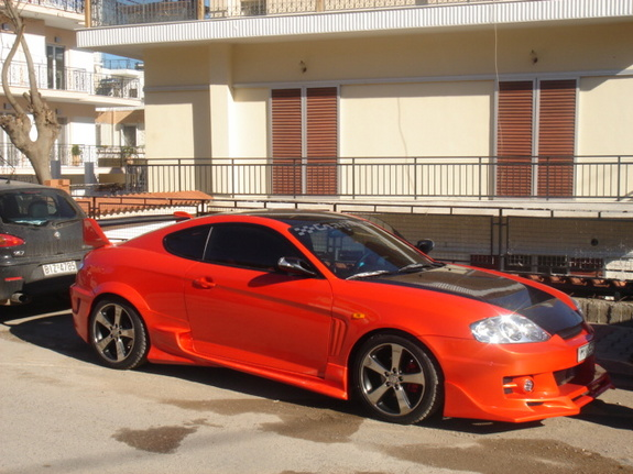 thegrktucson 2002 hyundai tiburon specs photos modification info at cardomain cardomain