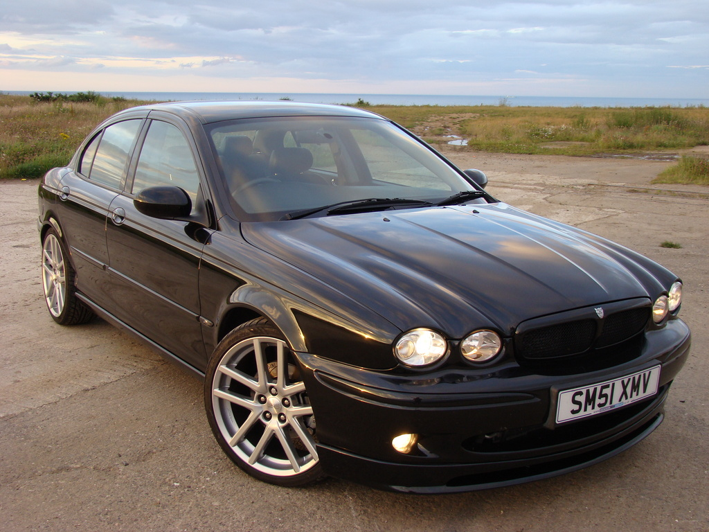 Daniel3v6 2002 Jaguar X Type 22772950012_large