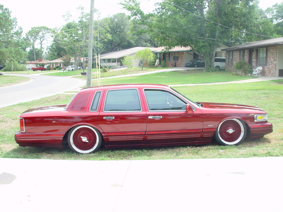 Caddyzonly 1995 Lincoln Town Car Specs Photos Modification Info At
