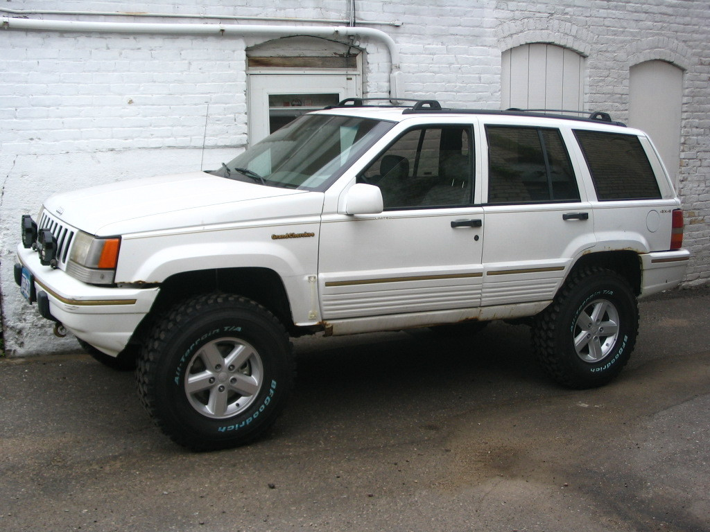 Guy4logos 1993 jeep grand cherokeelimited sport utility 4d specs photos modification info at 1993 jeep grand cherokee interior