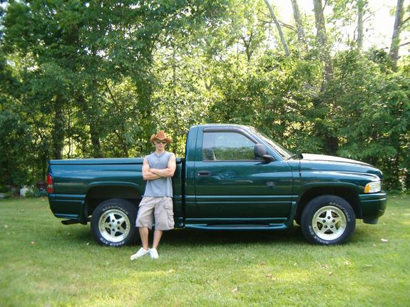 Large on 2001 Dodge Ram 1500 Sport Package