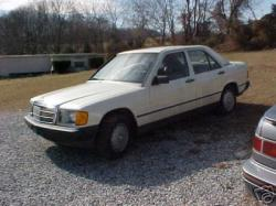 JC-Benz2007s 1984 Mercedes-Benz 190-Class