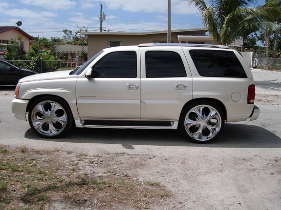 iloveisiah 2004 cadillac escalade specs photos modification info at cardomain cardomain