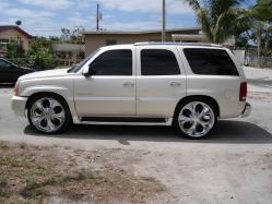 iloveisiahs 2004 Cadillac Escalade