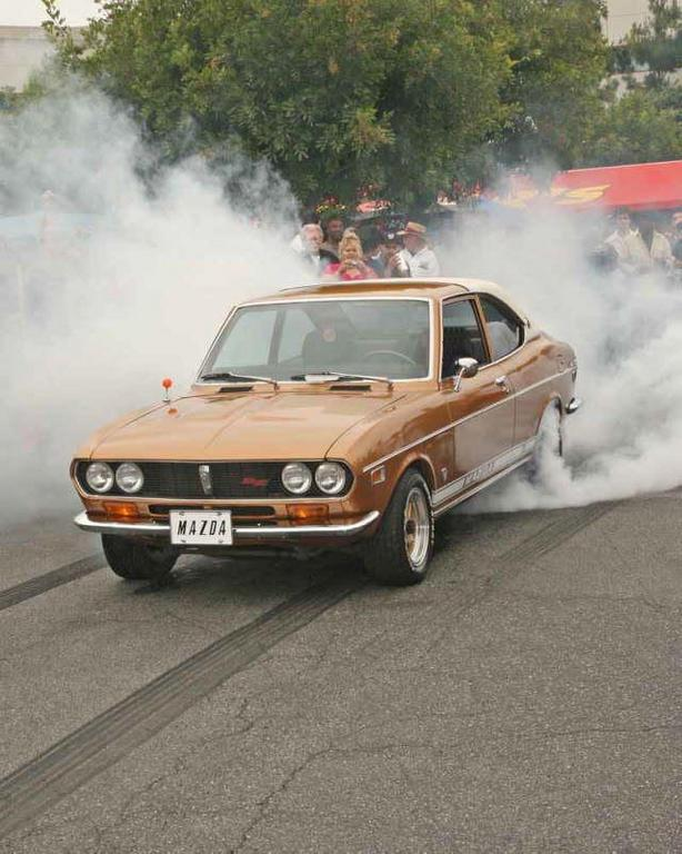 pictrhound's 1973 Mazda RX-2