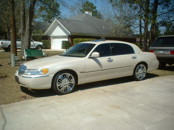 Wood99c 2000 Lincoln Town Car Specs Photos Modification Info At