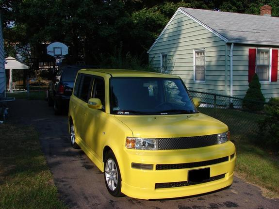 todd01 2005 Scion XB
