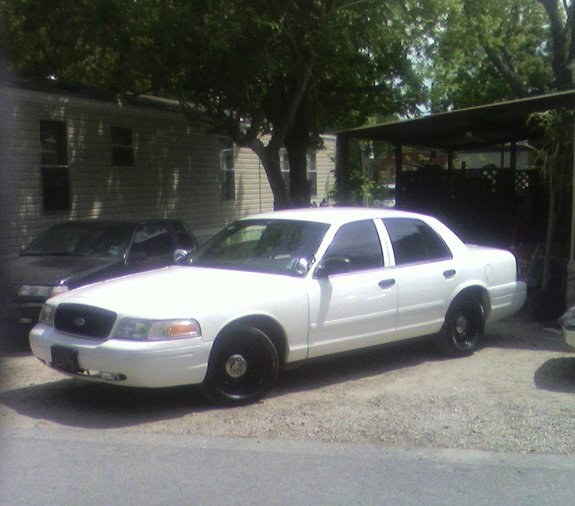 SnakesVic 2002 Ford Crown Victoria Specs, Photos