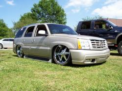 ladeout04s 2004 Cadillac Escalade