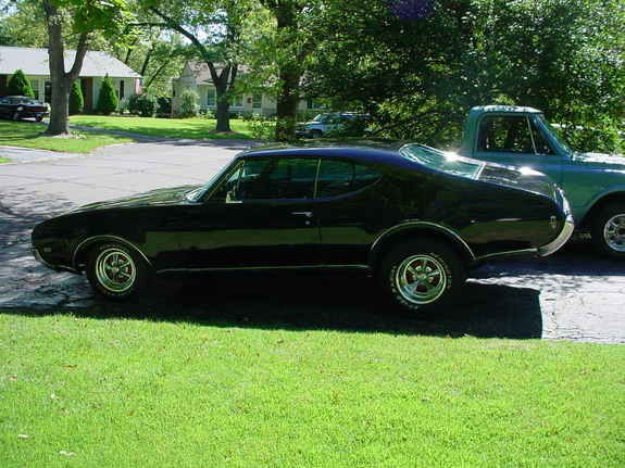 68OLDCUTTY 1968 Oldsmobile Cutlass Supreme 8071247