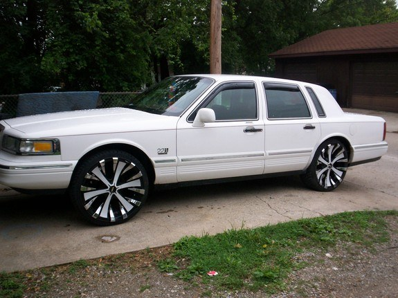 Kialuxury 1995 Lincoln Town Car Specs Photos Modification Info At