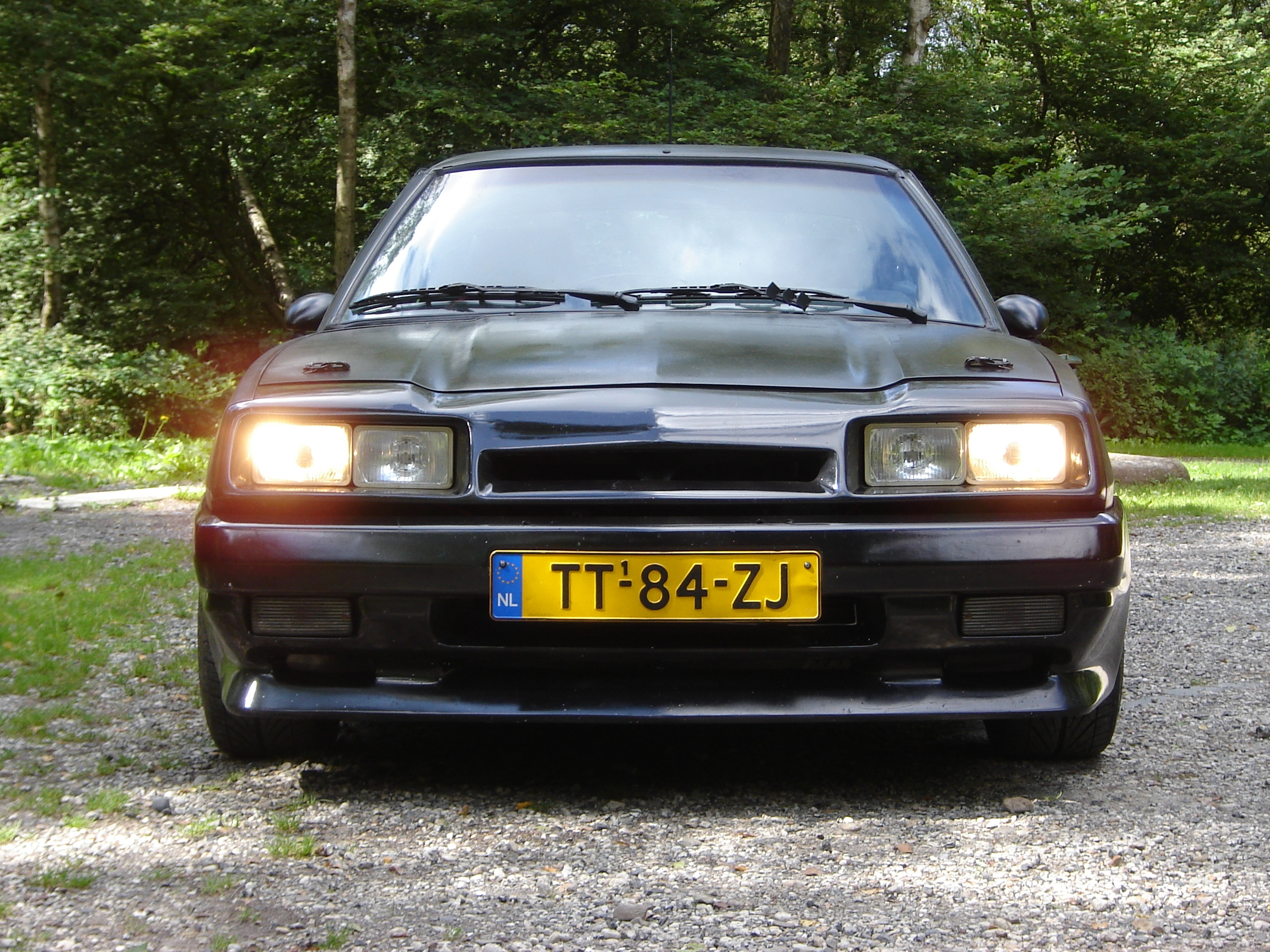 Witte-onnut 1988 Opel Manta Specs, Photos, Modification Info