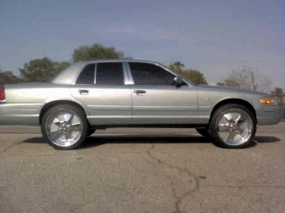 Another Crownvic02 2002 Ford Crown Victoria post... - 8149122