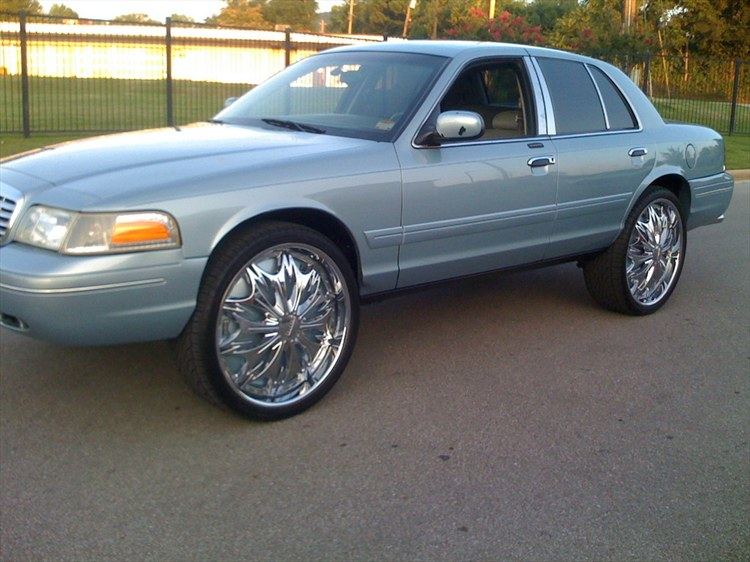 Another Crownvic02 2002 Ford Crown Victoria post... - 8149151