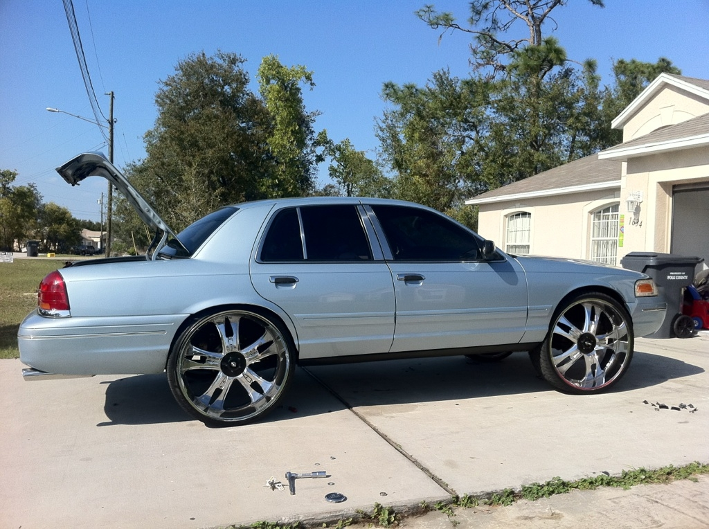 Another Crownvic02 2002 Ford Crown Victoria post... - 8149170