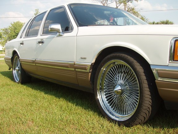 thaexpoking 1990 Lincoln Town Car