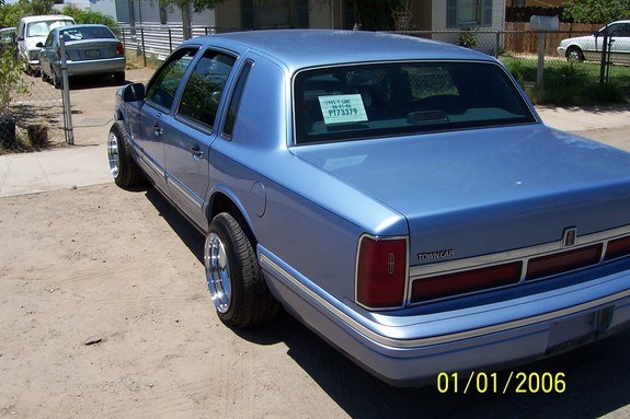 Another Gavilan86 1995 Lincoln Town Car Post 3592534 By Gavilan86