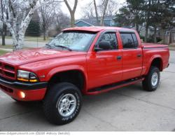 BERTO_50 2000 Dodge Dakota Regular Cab & Chassis
