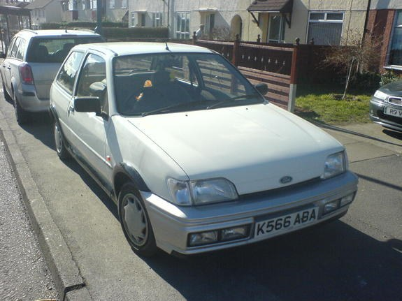 phillipuk's 1993 Ford Fiesta