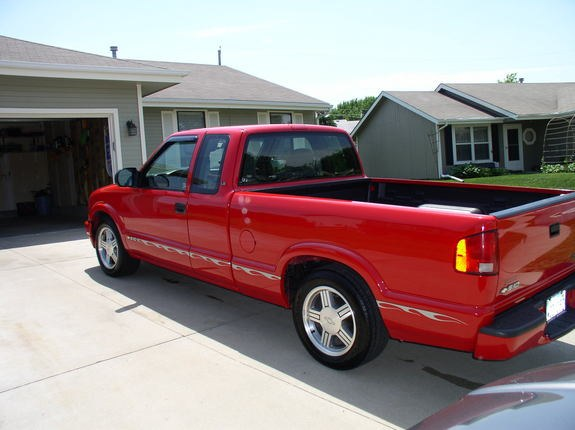 gmmadness3 2000 chevrolet s10 regular cab specs photos modification info at cardomain. Black Bedroom Furniture Sets. Home Design Ideas