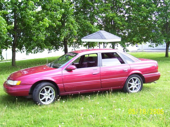 94 ford taurus 39 s 1994 ford taurus in london on. Black Bedroom Furniture Sets. Home Design Ideas