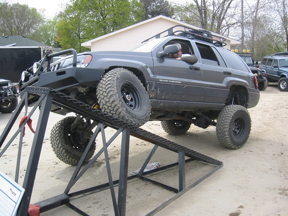 Another skibbo 2004 Jeep Grand Cherokee post... - 8281902