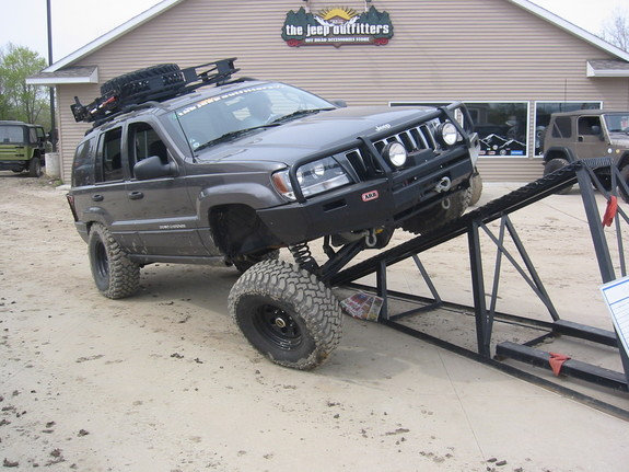 Another skibbo 2004 Jeep Grand Cherokee post... - 8281904