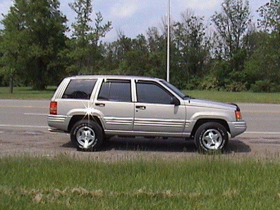Grandcherokee313 1998 Jeep Grand Cherokee 8304932