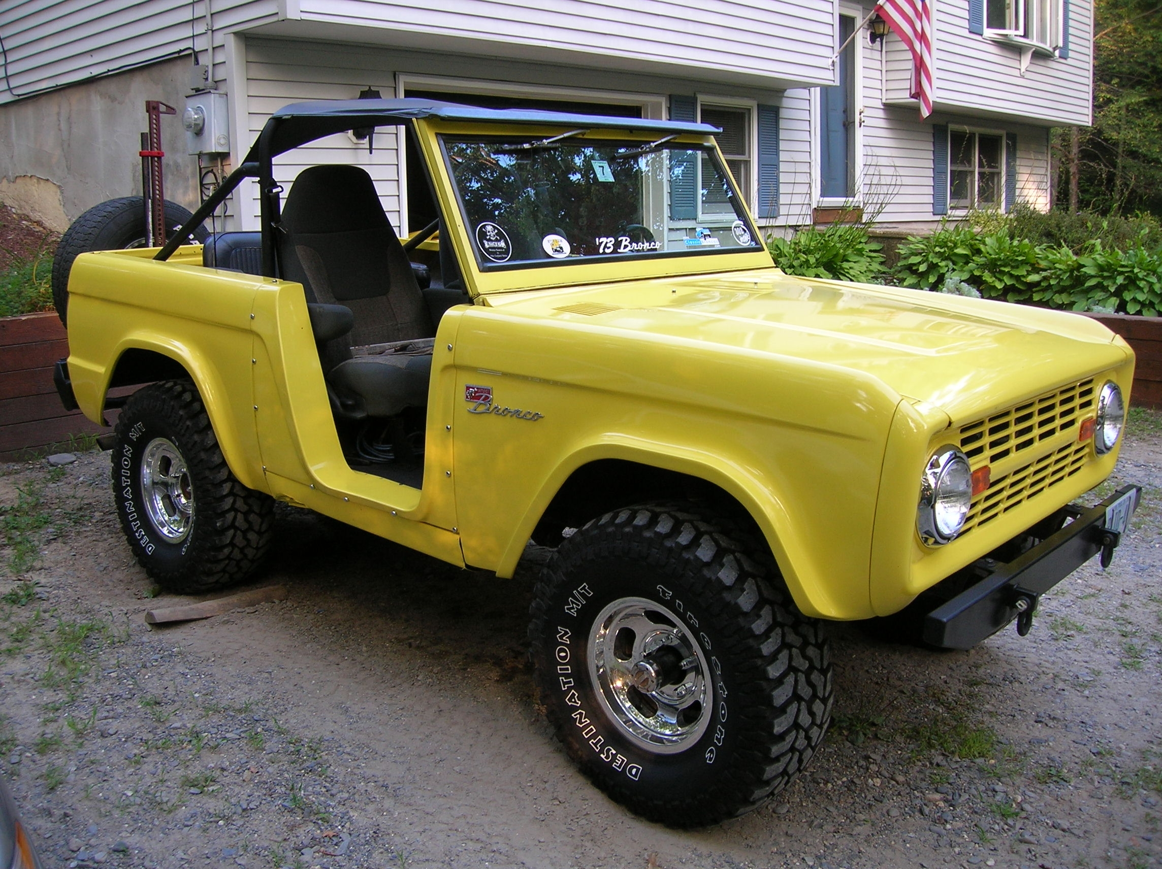 Another tasker 1973 Ford Bronco post... - 8330369