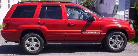 reneveah 2003 Jeep Grand Cherokee