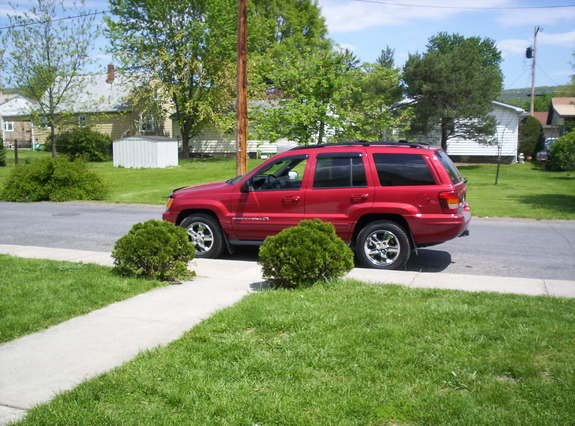 reneveah 2003 Jeep Grand Cherokee 8329894