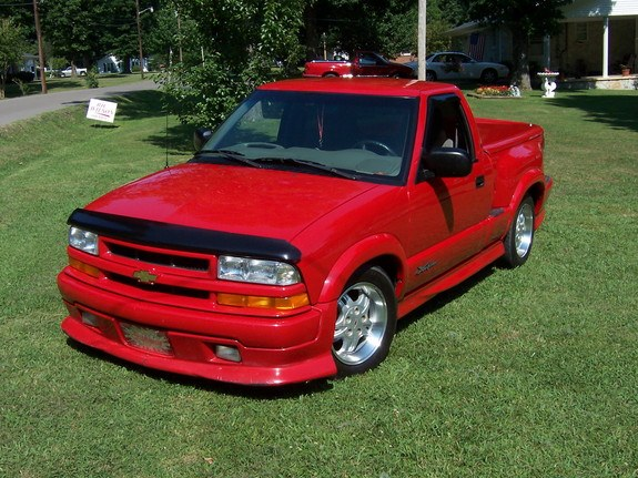 kylelee 2000 chevrolet s10 regular cab specs photos modification info at cardomain. Black Bedroom Furniture Sets. Home Design Ideas