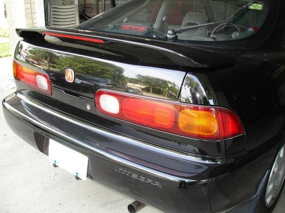 Another SKproductionZ Acura Integra Post Photo - Red acura emblem