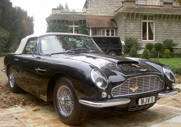 Another clsamg 1967 Aston Martin Volante post... - 8432520